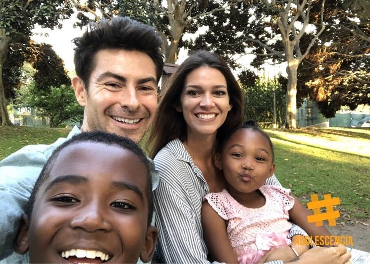familia adoptiva